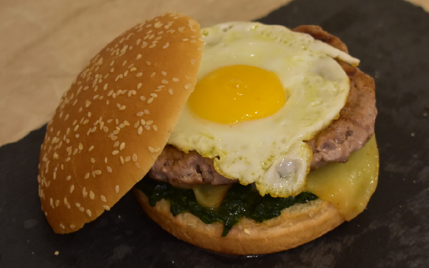 Preferenza Ricetta Hamburger con uovo, caciotta e spinaci - Manjoo YY51