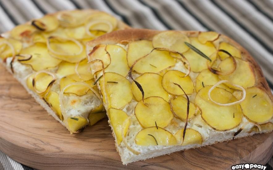 Focaccia patate e formaggio