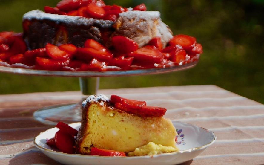 Torta morbida ricotta e fragole gluten free