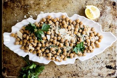 Ceci al forno alle erbe con parmigiano