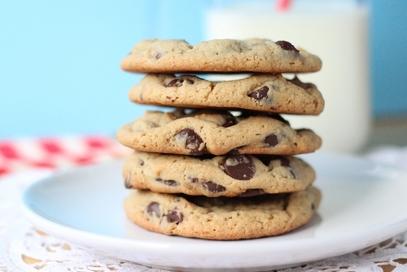Biscotti al miele con gocce di cioccolato