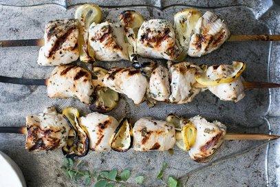 Spiedini di pollo con salsa tzatziki