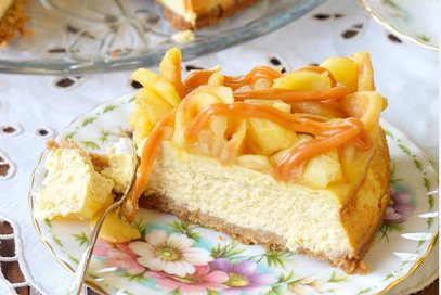 Cheesecake mele, cannella e caramello