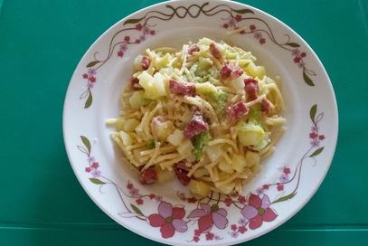 Spaghetti e verza rustici