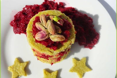 Farinata di piselli con barbabietola e pistacchi