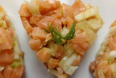 Tartare di salmone affumicato, finocchi e lime
