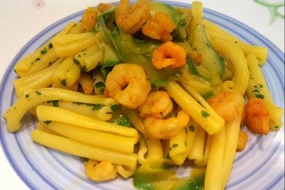 Casarecce con zucchine gamberetti e zafferano