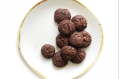 Biscotti cioccolato intenso e nocciole