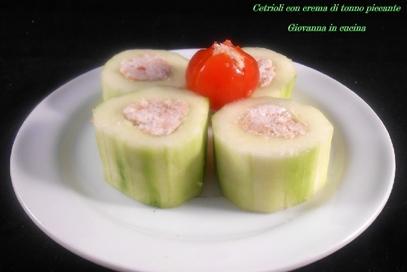 Cetriolo con crema di tonno piccante
