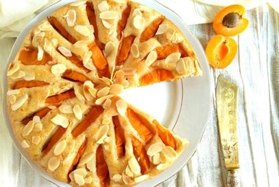 Torta albicocche e mandorle, vegana e quasi light