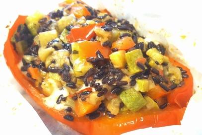 Barchette di peperoni ripieni con riso venere