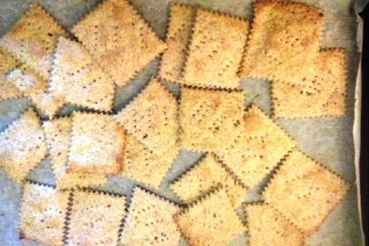 Crackers integrali con mix di semini