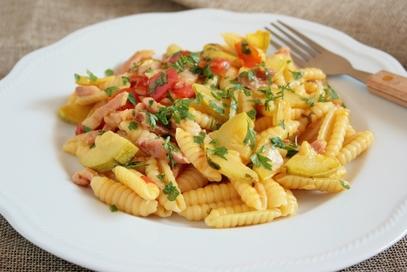 Gnocchetti sardi con zucchine, pancetta e curcuma