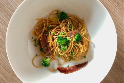 Spaghetti integrali ai broccoletti e alici