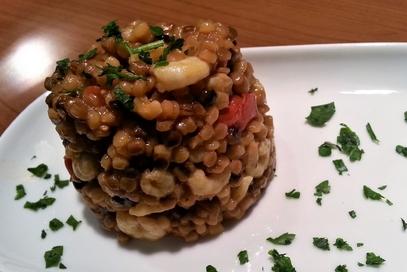 Fregola sarda risottata con cozze e gamberetti
