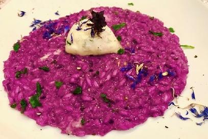 Risotto con cavolo cappuccio viola e gorgonzola