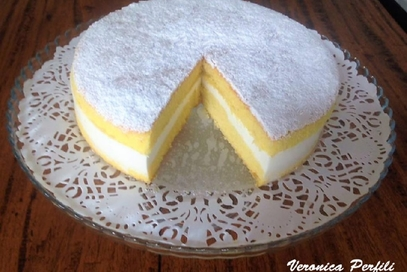 Torta paradiso con crema di latte e miele