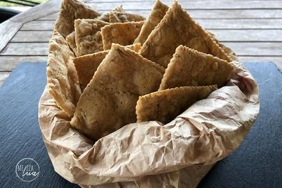 Cracker senza glutine con parmigiano e rosmarino