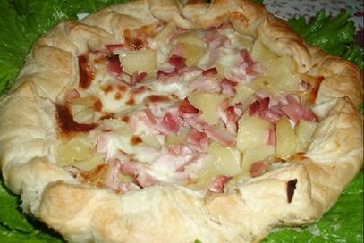 Torta salata con patate e stracchino