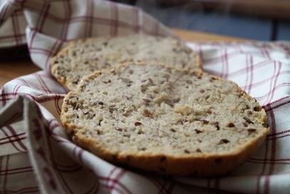 Pagnotta senza glutine con semi di lino