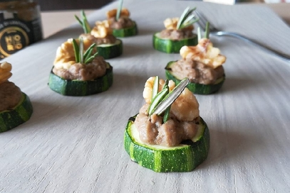 Tartine di zucchine con mousse di lenticchie