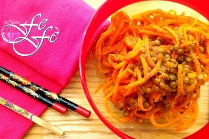 Spaghetti di carote con lenticchie e zenzero